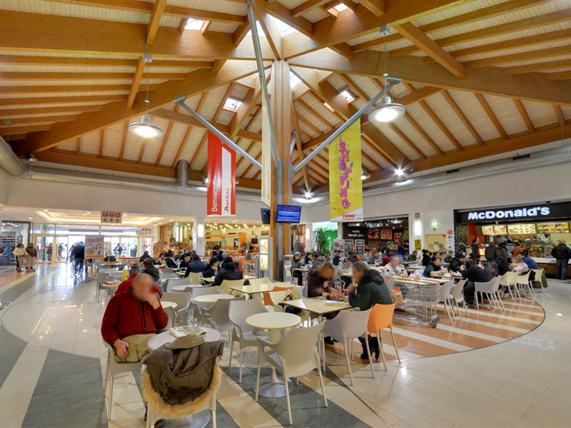 Shopping Centre Auchan Cuneo